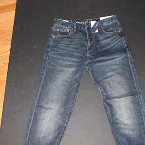 NWT AMERICAN EAGLE GIRLFRIEND JEANS